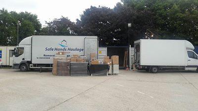 Unloading-Loading-Lorry-Park